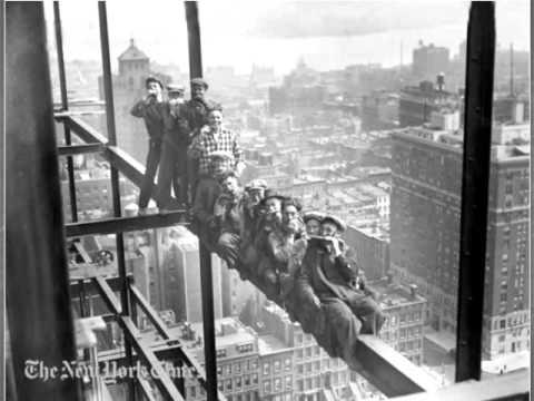 Construction du  Rockefeller Center de New-York (1932)