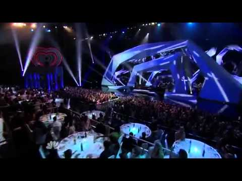 Luke Bryan - That's My Kind Of Night / LIVE At NBC iHeartRadio Music Awards 2014 + LYRICS