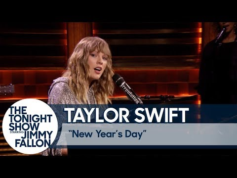 Taylor Swift Debuts New Years Day