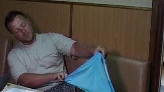 Украинец, дрейфовавший в Азовском море, сигналил плавками российским морякам