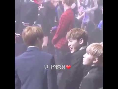 170119 SEOUL MUSIC AWARDS - BTS JUNGKOOK CHATTING WITH SEVENTEEN