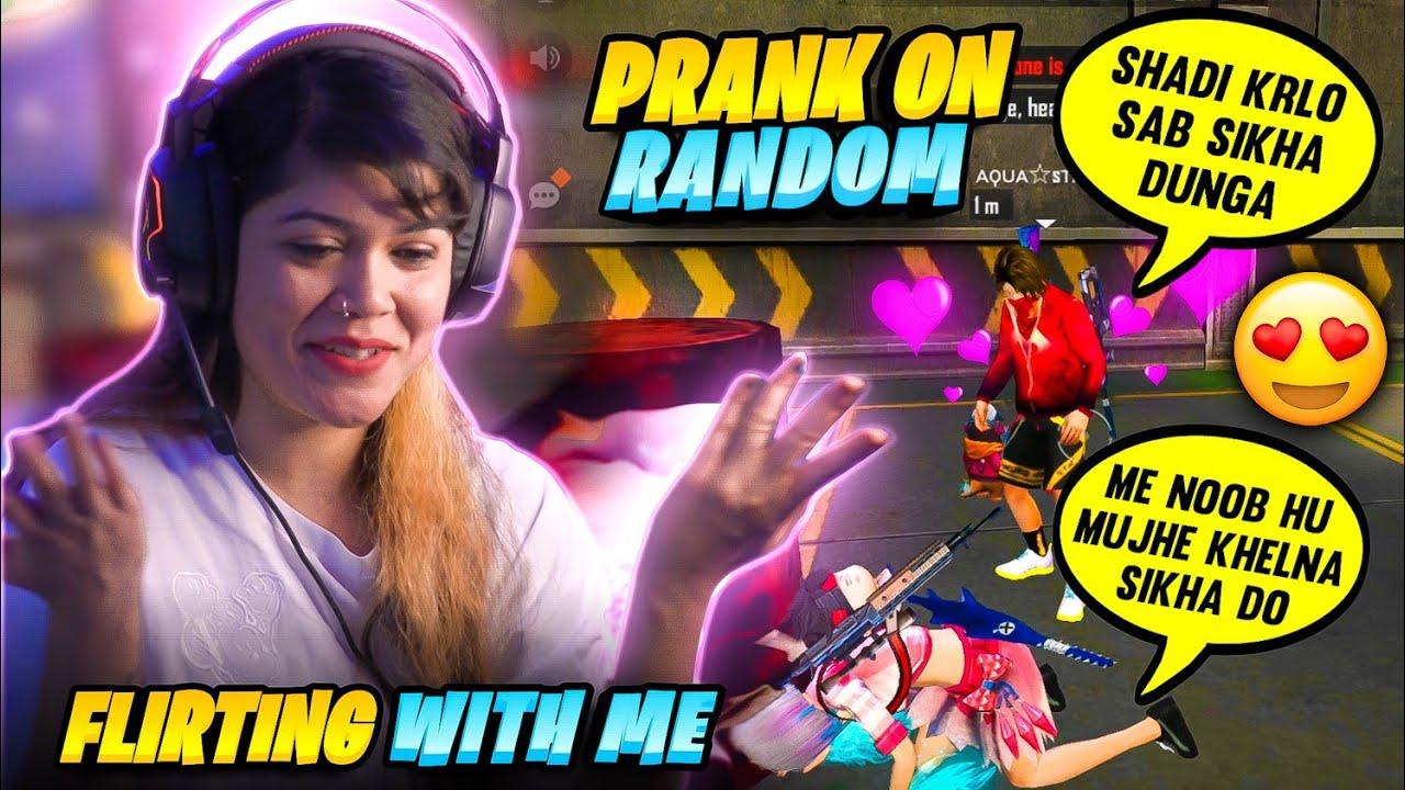 Noob Prank in Random Rank Match🤣   He started flirting with me😜    Garena Free Fire    Bindass Laila