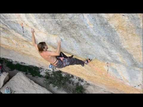 "CHRIS SHARMA TRYING ""PERFECTO MUNDO"" 5.15c"