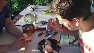 Dois brasileiros provam Surströmming