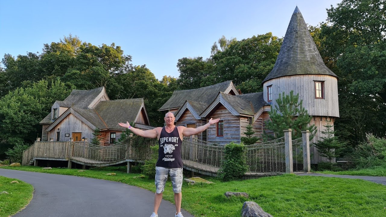 Luxury Treehouse tour at Alton Towers Theme park 2020