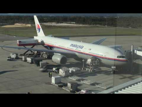 Malaysian Airlines 777-200ER turn-around time lapse