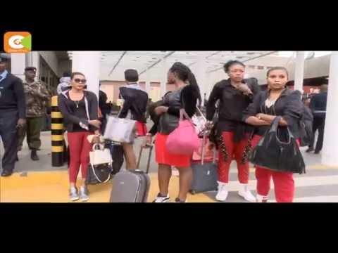 Koffi Olomide piétine l'une de ses danseuses à l'aeroport de Kenya