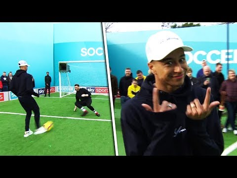 Jesse Lingard vs Tom Kerridge | Penalties, volleys, freekick & crossbar challenge | Soccer AM Pro AM