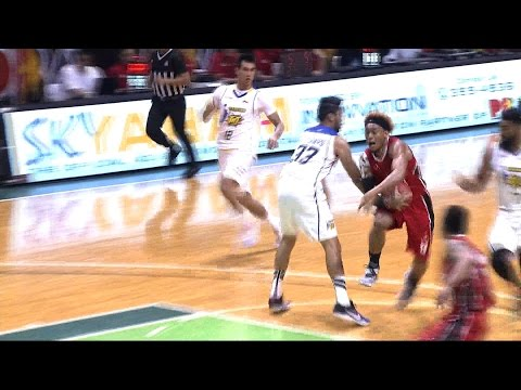 Abueva and Rosario Trade Baskets | PBA Commissioner's Cup 2016