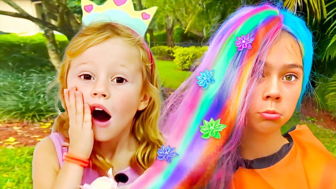 Nastya dan Stacy memainkan penata rambut dan mewarnai