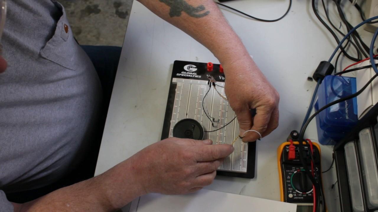 Fire Alarmpolice Sirenmachine Gun Sound Effects Chip Demo Youtube Police Siren Using Ic 555 Circuit Schematic Diagram