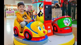 Ride on Car with Kids Song