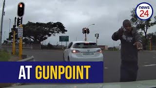 WATCH   Quick-thinking Durban driver narrowly escapes hijacking