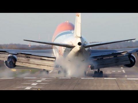 HARD Boeing 747 LANDING - TNT Boeing 747 hammering on the RUNWAY