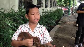 Pengam jalanan sindir Pemerintah Indonesia saluuuttttt..!!!!