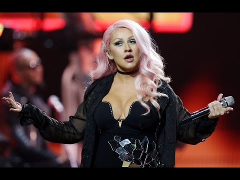 Christina Aguilera: Why are her songs hard to sing?
