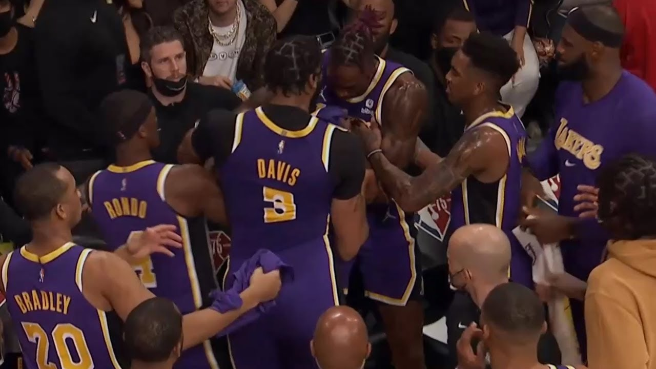 Lakers' Anthony Davis, Dwight Howard get into bench altercation vs ...