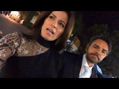 Eugenio Derbez y su esposa Alessandra Rosaldo se toman el pelo mientras regresan de una premiere