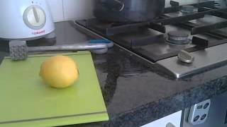 How to make crushed ice with pomegrenade and lemon