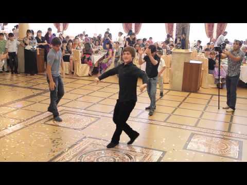 Лезгинка на татарской свадьбе