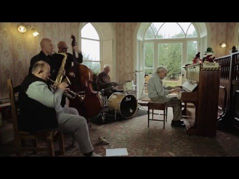 Gumtree ad gets 80 musicians to jam with 95 year old in care home
