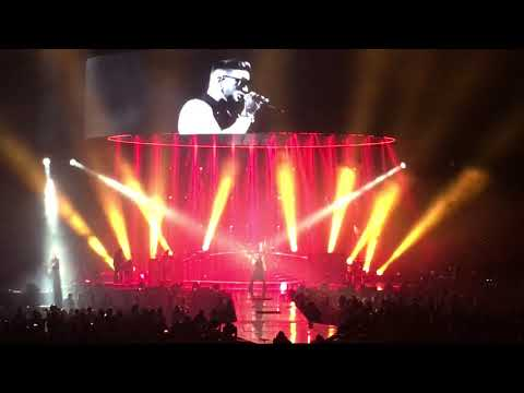 Queen + Adam Lambert - We Will Rock You (teaser)/Hammer To Fall - Perth Arena, Perth