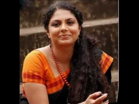 Asha Sarath Kumkumapoove Actress