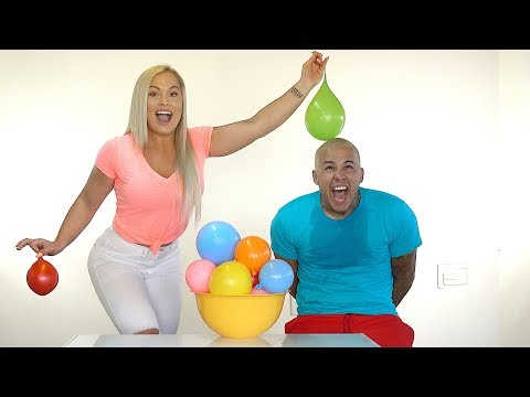 HOW WELL DO YOU KNOW ME??? ***GIRLFRIEND vs BOYFRIEND*** (WATER BALLOON CHALLENGE)