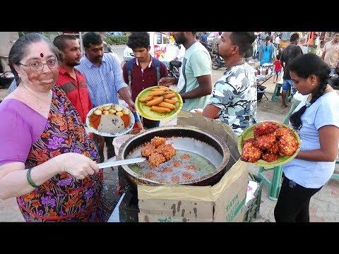Hyderabadi Aunty Selling Healthy Tiffins | Sabudana Vada / Ponganalu @ 25 rs Only | Street Food