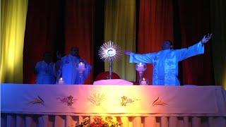 Jesús tu eres... Rey de Reyes Señor de Señores.