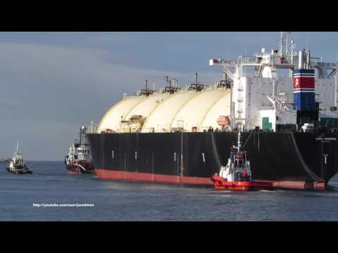 LNG GEMINI towed by tugboat CARLO MAGNO bound for Haugesund