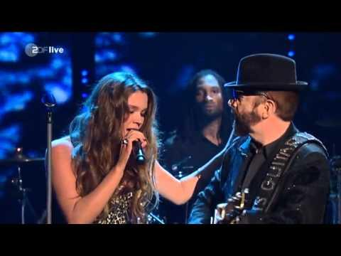 Joss Stone & Dave Stewart (Wetten Dass) - Karma + Here Comes The Rain Again LIVE