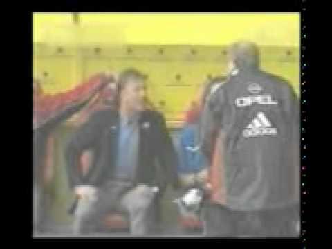 Fussball Trainer Schreien Sich An Lustig Youtube