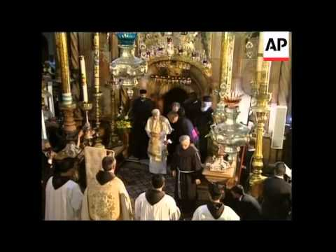 WRAP Pope visits church of Holy Sepulchre ADDS meets Greek, Latin patriarchs