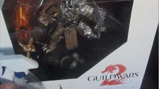 Guild Wars 2 Collectors Edition Unboxing