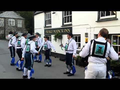 Plymouth Morris Men - Skirmish (Adderbury) with Cutlasses