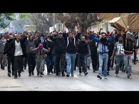 تونس: الاحتجاجات ضد إجراءات التقشف تمتد لعدة مدن  - 10:22-2018 / 1 / 10