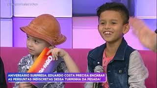 """Baixar Crianças colocam Eduardo Costa em """"saia justa"""" durante entrevista"""