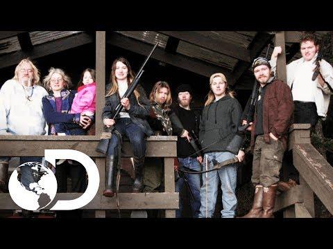 Una familia nada tradicional | Alaska: Hombres Primitivos | Discovery Latinoamérica
