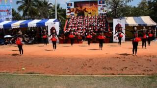 Repeat youtube video หลีดสีแดง โรงเรียนสว่างแดนดิน ปีการศึกษา2557
