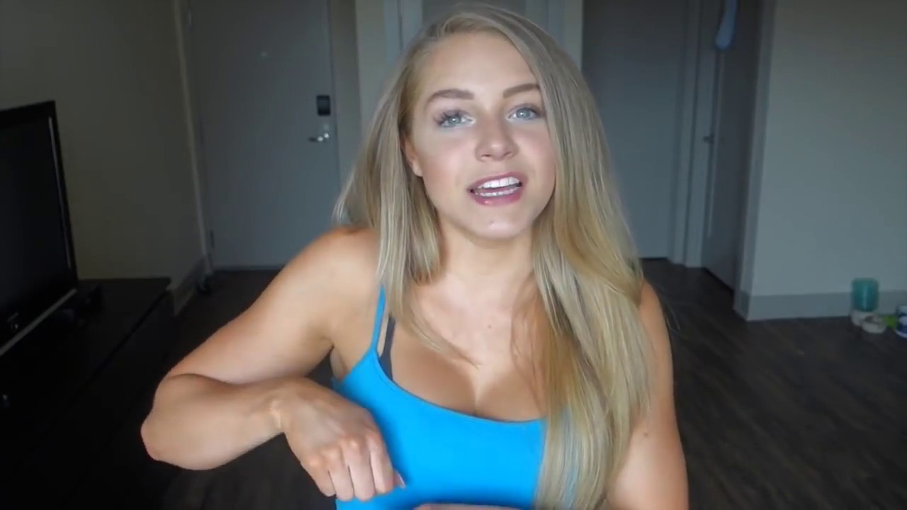Cleavage Video Courtney Tailor naked photo 2017