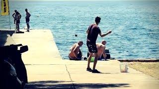 Gađam turiste vodenim balonima 😂💦 | Magic Leon