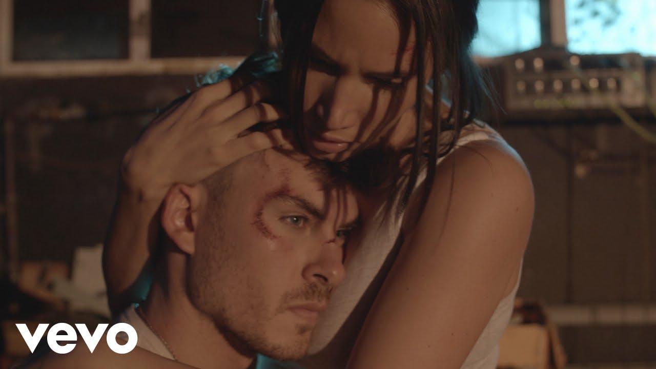 Download India Martinez, Dvicio - No Me Basta