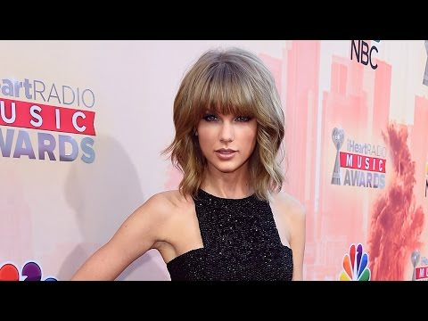 Taylor Swift Is Launching a Clothing Line in China!!