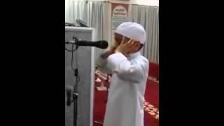 اجمل اذان من طفل سعودي ماشالله ربي يحفضه