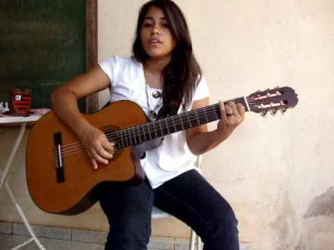 Ana Queiroz cantando Garganta de Ana Carolina