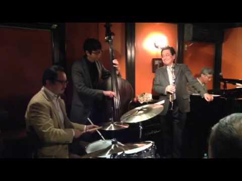 Twilight Special Jazz & Bar em's Pro-Ama Quartet (e-PAQ) (Beautiful love)