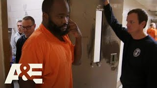 60 Days In: Officers Shake Down Tony's Cell (Season 6) | A&E