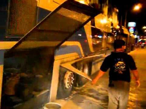 เพลิงไหม้รถทัวร์ อ.พล ขอนแก่น 04-07-54 [OK]