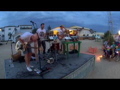 Adam Jou - Neon Lights - Eysk Live 14.08.17